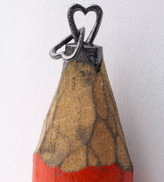 http://www.unfinishedman.com/wp-content/uploads/2010/08/Pencil-Tip-Micro-Sculptures-By-Dalton-Ghetti-12.jpg