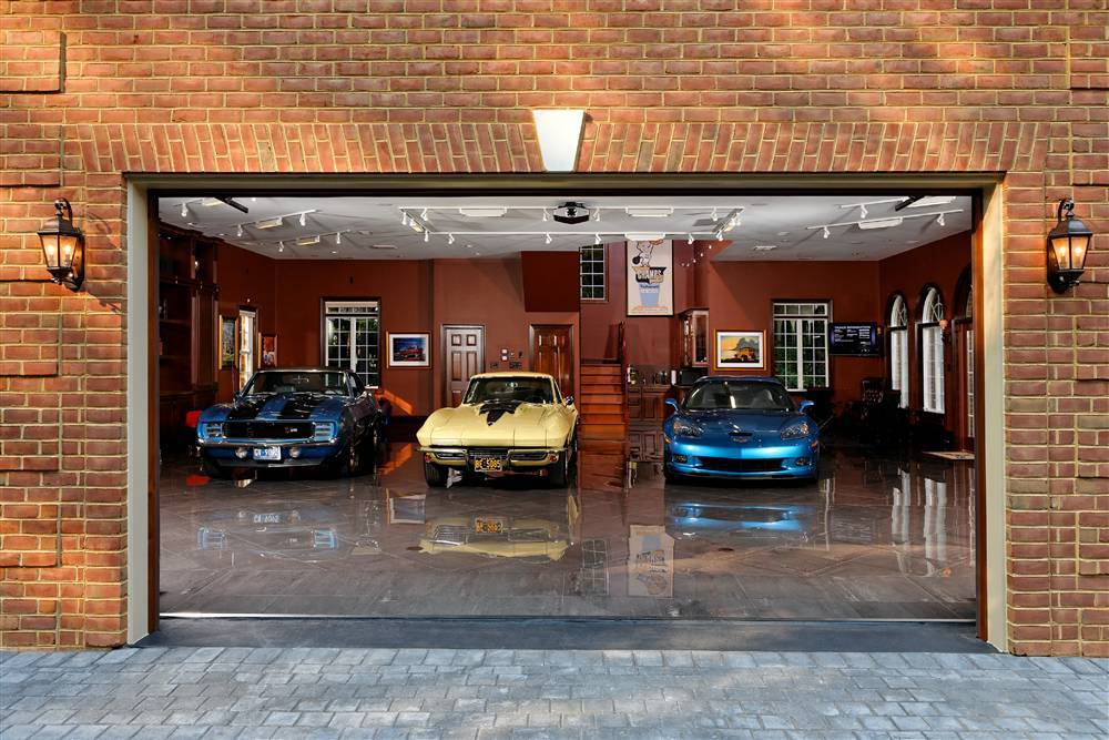 Dream car garages for the unfinished man for 7 car garage