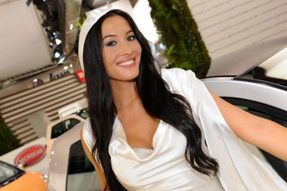 Paris-Motor-Show-Beautiful-Girls