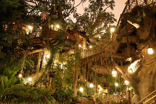 Treehouse that looks like Ewok village