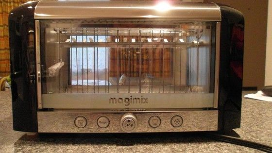 review the see through vision toaster by magimix. Black Bedroom Furniture Sets. Home Design Ideas