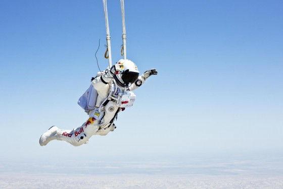 Stratos jump parachute