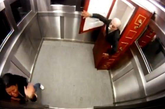 Corpse-In-Elevator-Prank