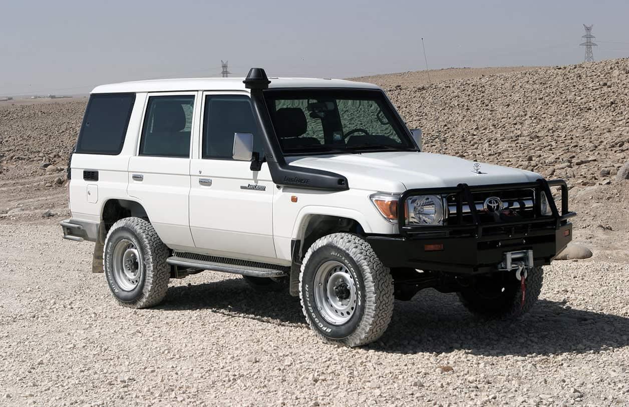 jankel-armored-toyota-landcruiser01