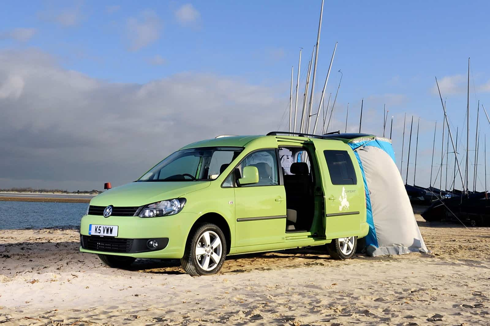 volkswagen caddy maxi camper. Black Bedroom Furniture Sets. Home Design Ideas