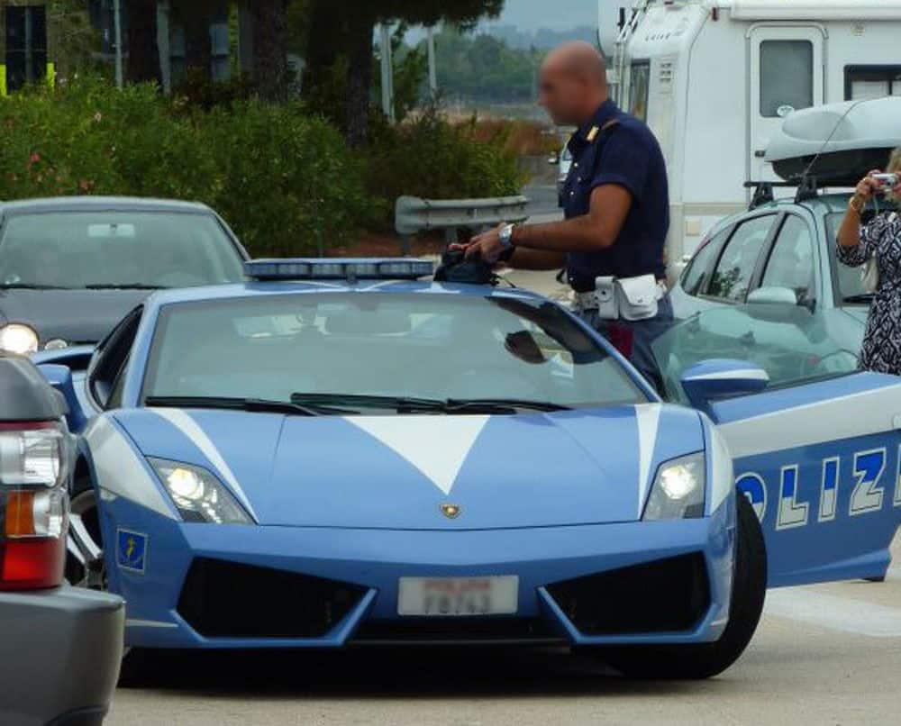 Italian Police Car - Viewing Gallery