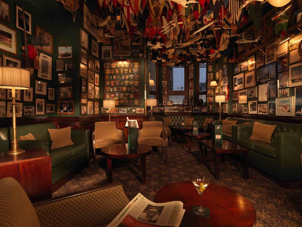 Finding Cabinet Club Zero History S London Luxury Hotel