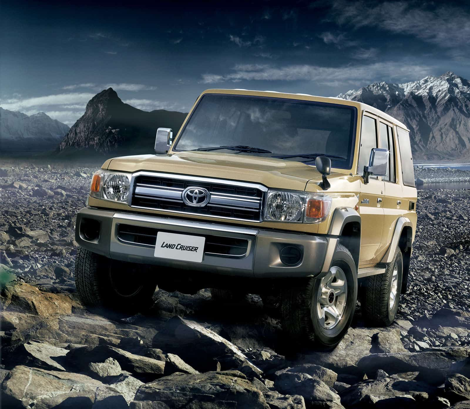 Toyota_Land_Cruiser_70_1