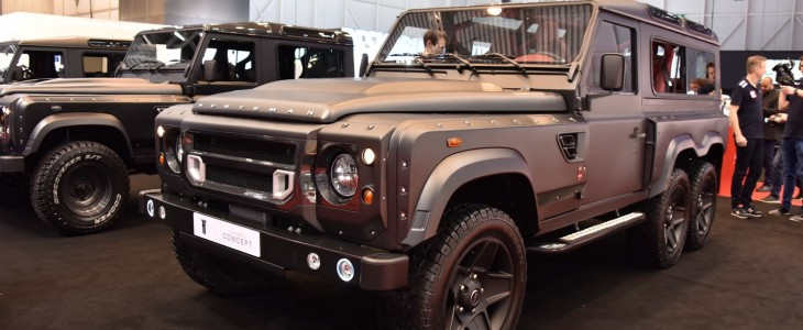 land-rover-defender-kahn-flying-huntsman