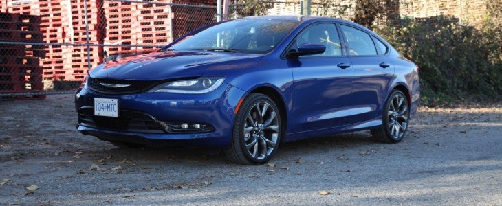 Chrysler_200_S_AWD_Review_1