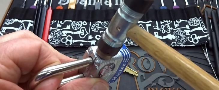 smacking-open-master-lock
