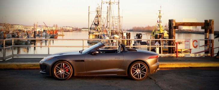 2016_Jaguar_F-Type_R_AWD_Review