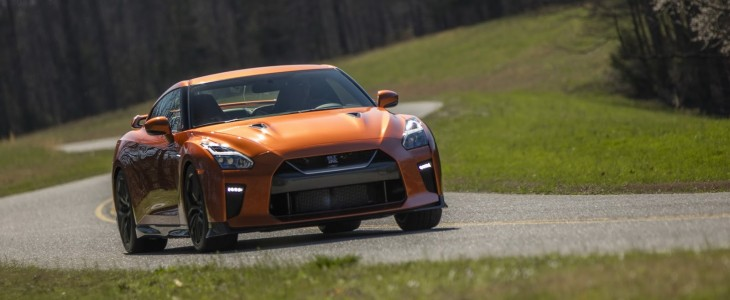 2017_Nissan_GT-R_1
