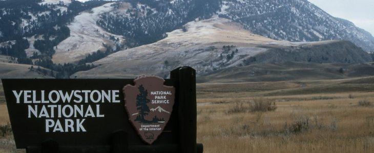 Yellowstone National Park sign at the North Entrance; Jim Peaco; October 1992