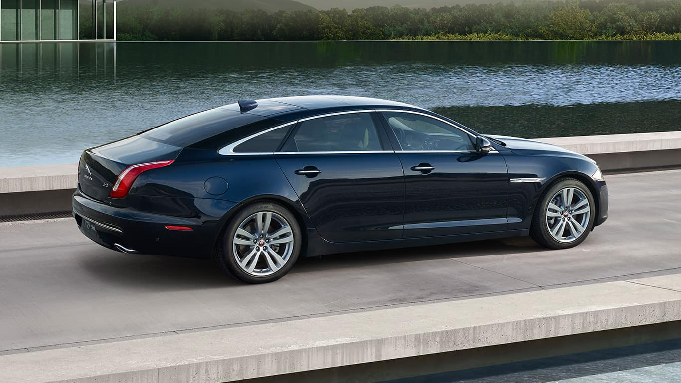 Luxury & Style: 2016 Jaguar XJL AWD Review